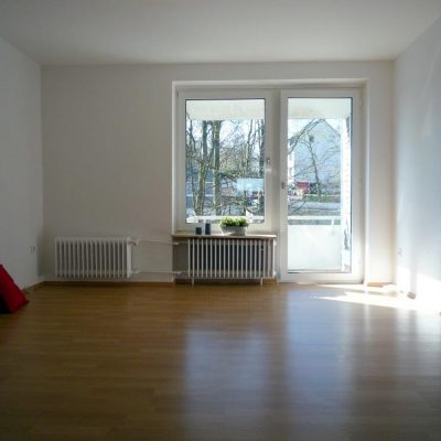 Ruhig und grün wohnen am Hasten! Modernisierte 3-Zimmer-Wohnung mit Balkon!
